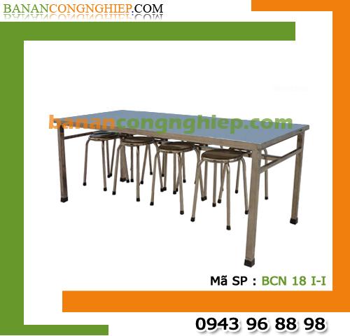 Bàn ăn công nghiệp Inox toàn bộ dành cho 8 người ngồi có móc treo ghế